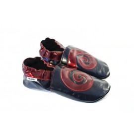chaussons souples cuir chic noir et rouge verni