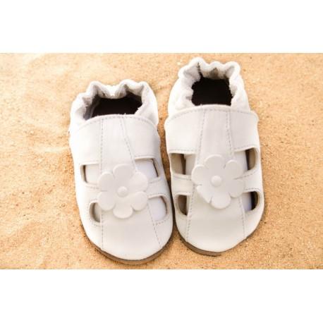 Chaussons d´été cuir souple blanc