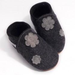 Laine mérinos naturelle -fleurs - chaussons filles
