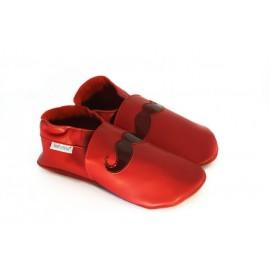 Chaussons cuir souple rouge tendance moustache
