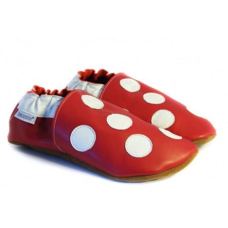Chaussons cuir souple rouge a pois blanc