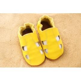 Chaussons d´été cuir souple jaune