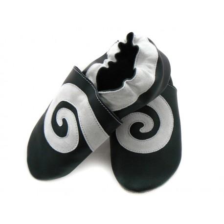 Chaussons cuir souple noir et blanc