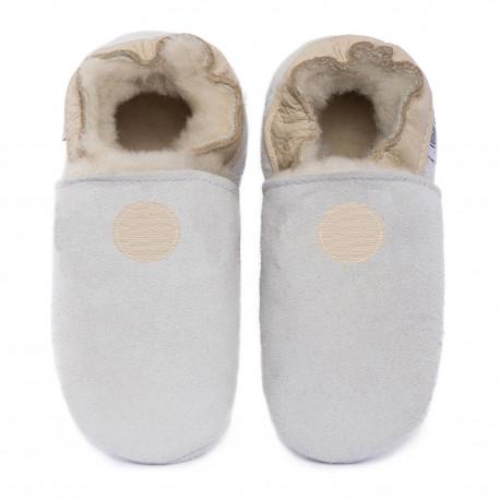 White woolen slippers, cream round