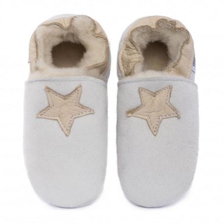 White woolen slippers, cream star