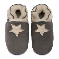 Pantoufles peau lainée grise, étoile beige