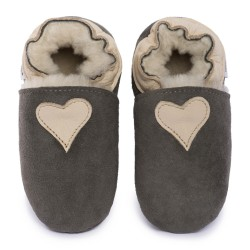 Gray woolen slippers, beige heart