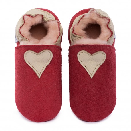 Red woolen slippers, beige heart