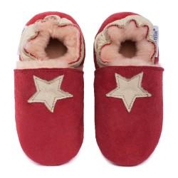 Red woolen slippers, beige star