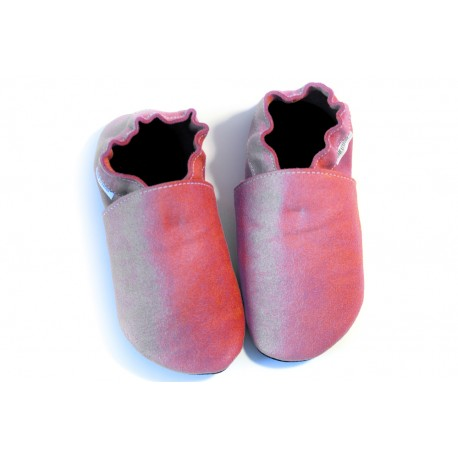slippers - pink crackled effect