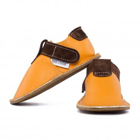 Kožené papučky s gumenou podrážkou a zapínaním na suchý zips