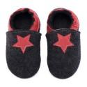 Chaussons en mérinos noir avec étoile rosso fueco
