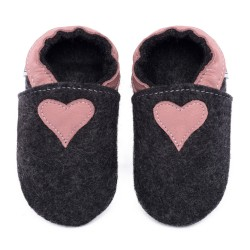 Chaussons en mérinos - noir avec coeur cameo