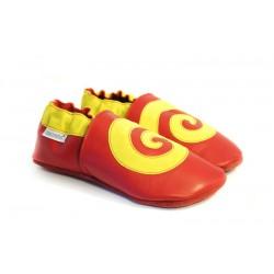 Chaussons cuir souple rouge et jaune